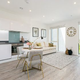 All apartments at 300 Kings Road come complete with fully-fitted contemporary kitchens, and a range of other features: